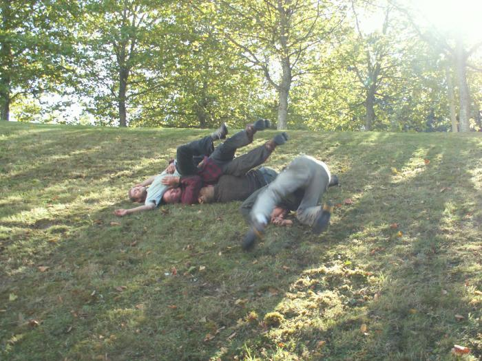 group fall/rolling/surfing. pic 3