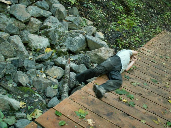 training outdoors Sat 10 11 08 off and on the foot bridge and the rocks